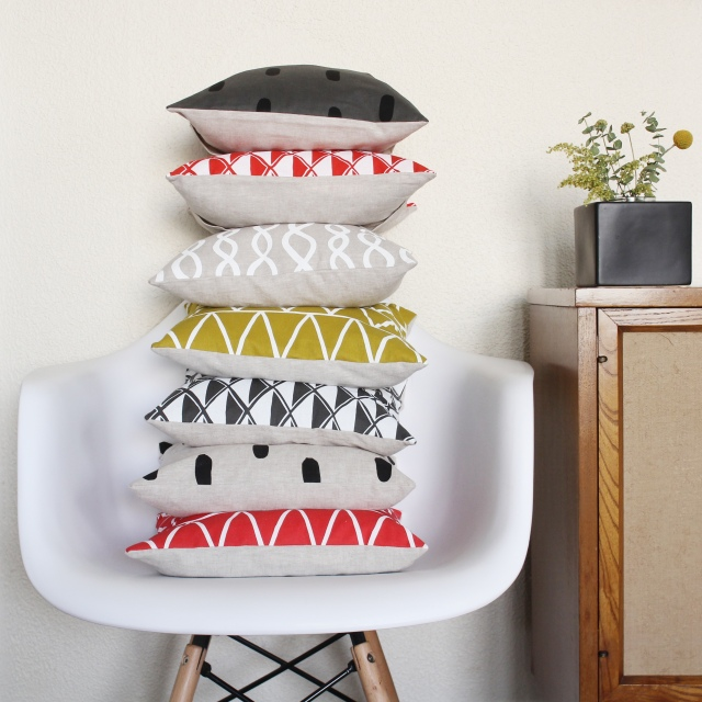 Cotton & Flax small pillow stack